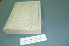 Ručno restaurirani obrezani arci složeni u knjižne slogove te knjižni blok spreman za uvez